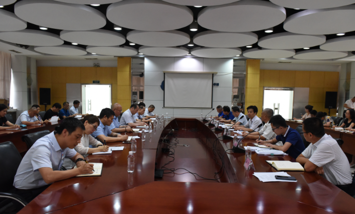 李向东到西安实业公司开展主题教育专题调研